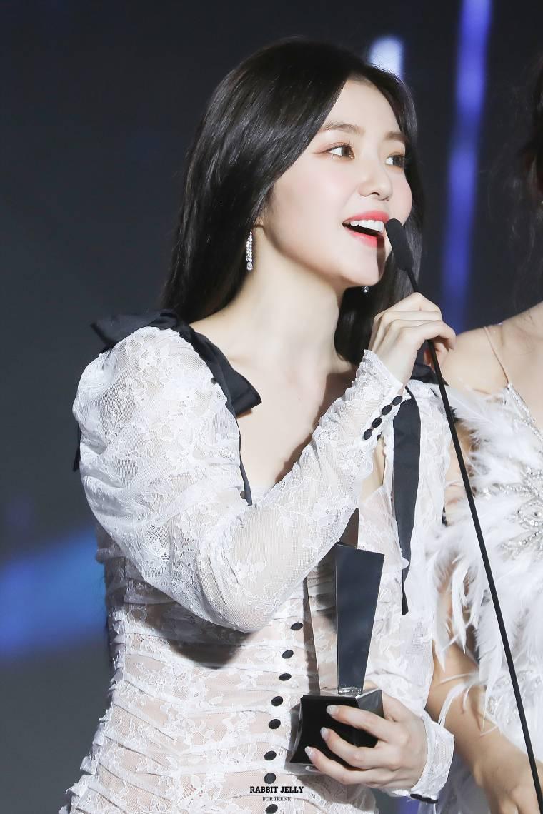 순백의 레드벨벳 아이린