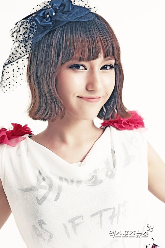 쇼콜라 멤버 화보 - 2. 백인 혼혈 멤버 멜라니